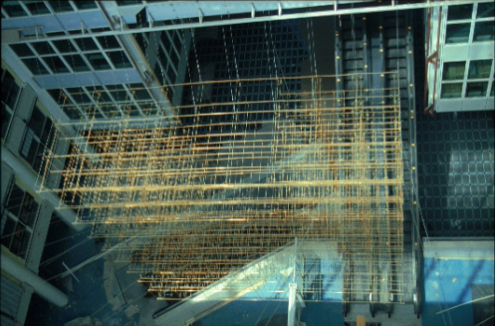 Hangende constructie, 8.1 x 8.1 x 2,7 m, centrale hal VROM, Vera galis